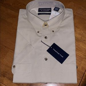 Roundtree & Yorke Size Large Men's Dress Shirt